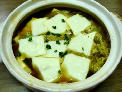 カレーとチーズを加えた濃厚カレー鍋